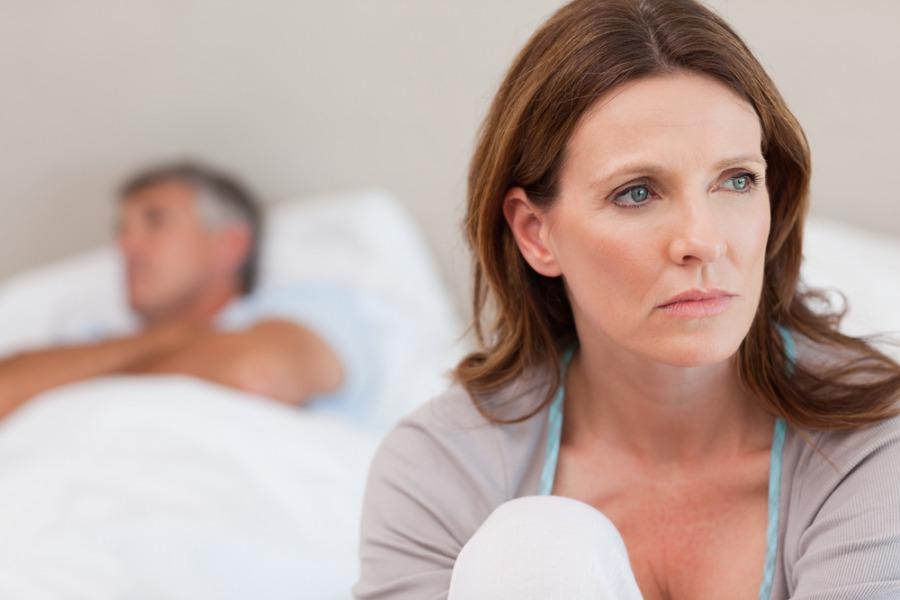 Как лечить сухость влагалища при климаксе